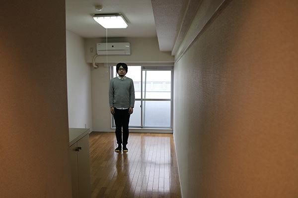 部屋の中のマンスーン画像